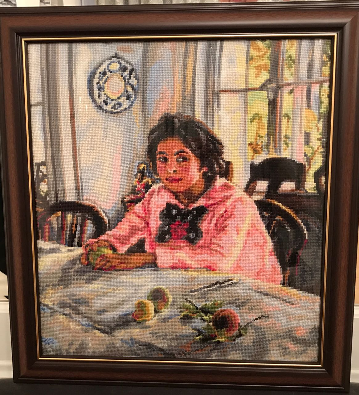 Девочка с персиком вышивка крестом